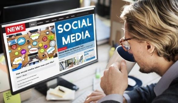 Social-media-news-coffee-man-office-PC-e1466066288447-1-658x380
